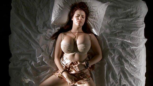 Sessuale inferno con fitness-corpo video porno amatoriali gratuiti italiani molto flessibile posizione